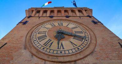 Torre dell'Orologio, Bologna